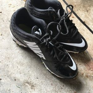 Cleats boys youth 5.5